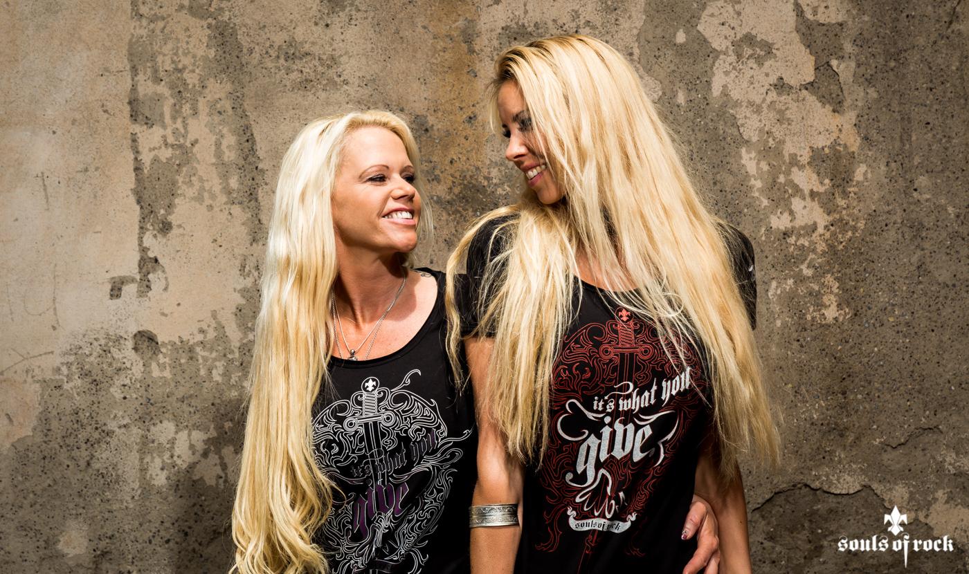 Women_T-Shirt_It's what you give_Souls-of-Rock